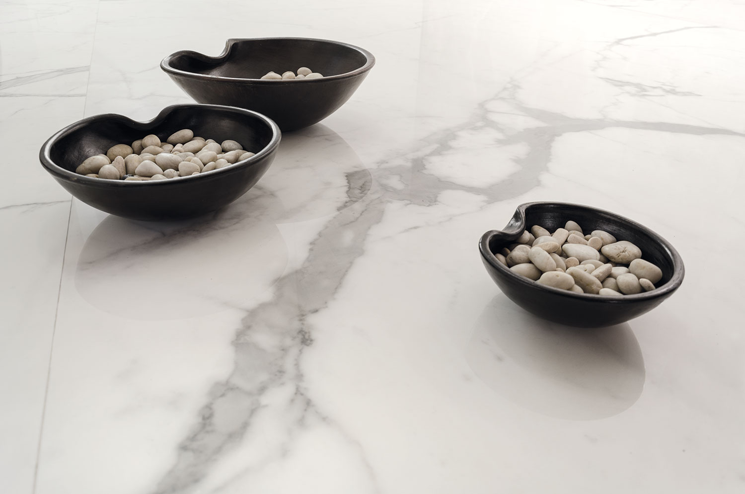 marble porcelain stone surface with bowls