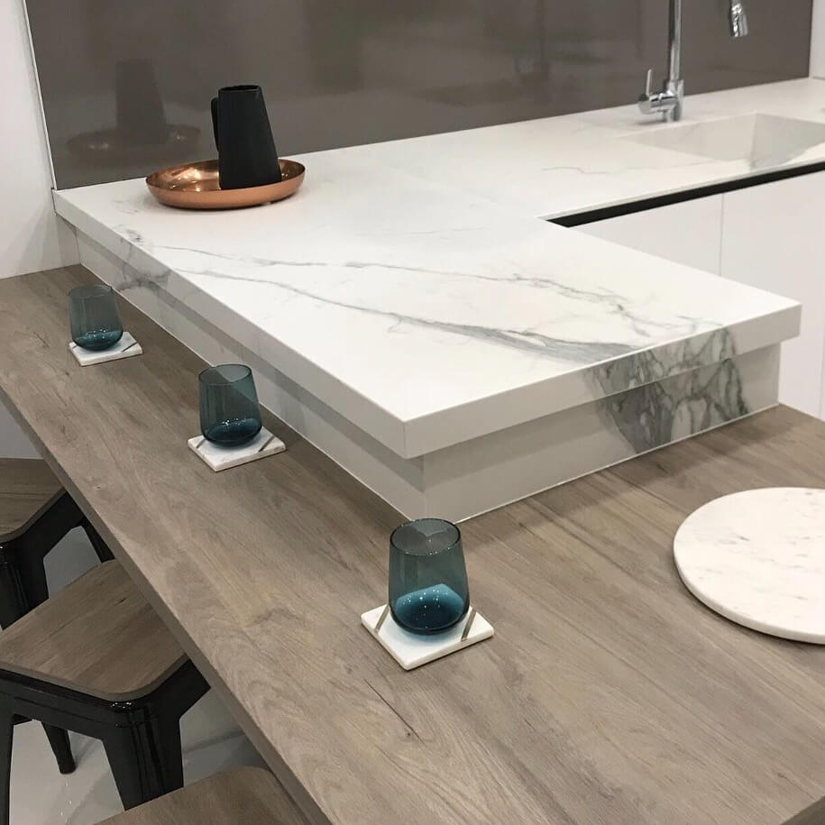 porcelain benchtop and cups bravvo