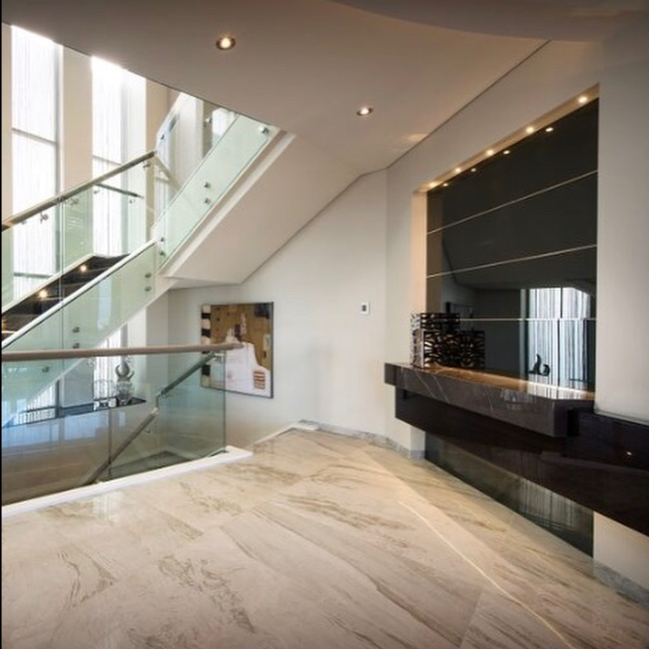 bravvo perth porcelain stone floor and stairs