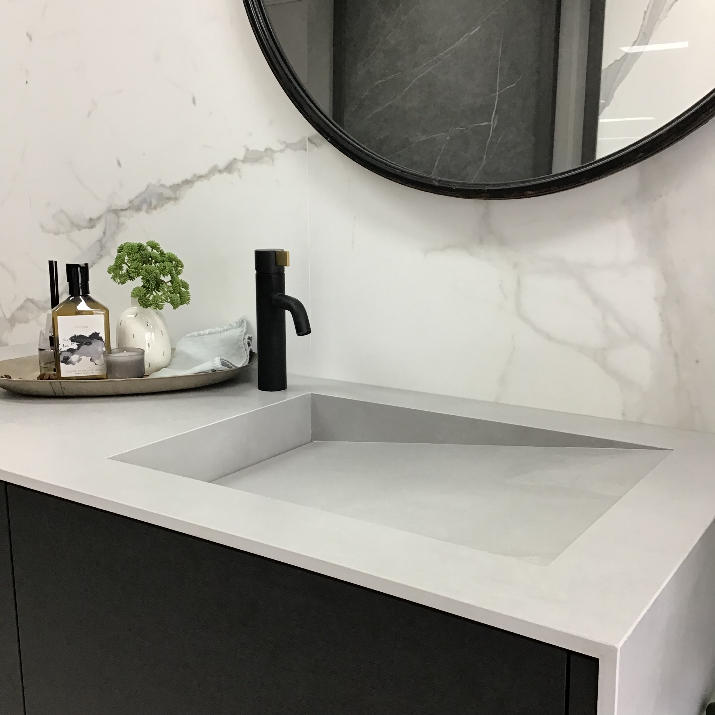 marble bravvo stone basin with vanity mirror